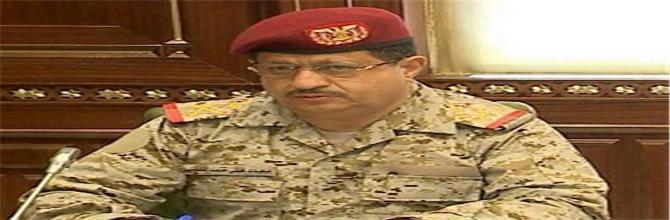 الملحق العسكري بسفارة بريطانيا باليمن يوجه انذار لوزير الدفاع المقدشي بالكف عن حماية الارهابيين في مأرب