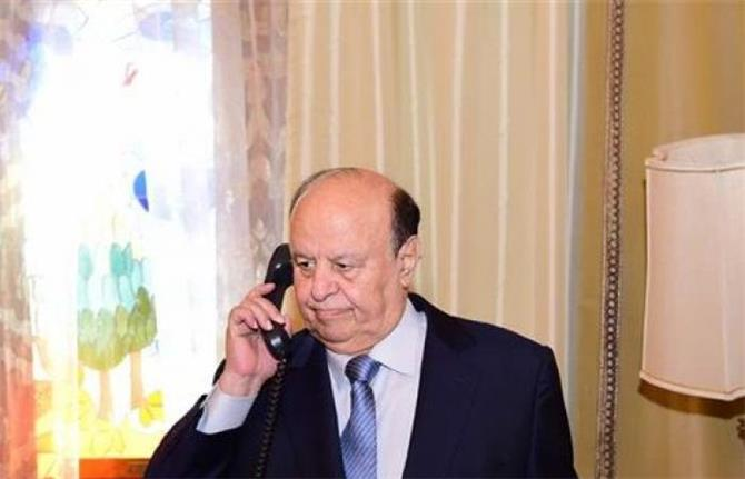 الرئيس هادي يصف رئيس حكومته بالحيوان خلال مكالمة معه لحل الخلاف مع رئيس اللجنة الاقتصادية