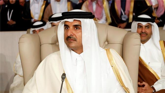 أمير قطر يغادر قاعة القمة العربية بتونس احتجاجا على انتقاد تركيا