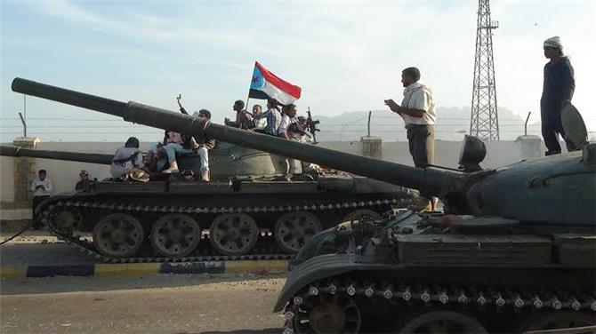 إخوانية عثمانية وحوثية فارسية..  فرقهم الحوثي وفضحهم الجنوب أمام التحالف