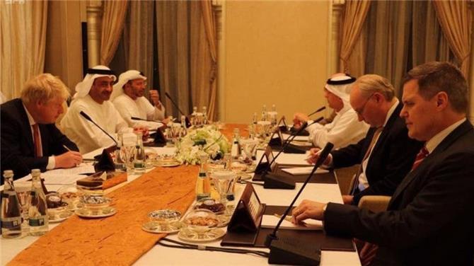 وفق استراتيجية دولية برعاية السعودية والإمارات.. (اتفاق الرياض) تخلص من حقبة الشرعية المرتبطة بالارهاب