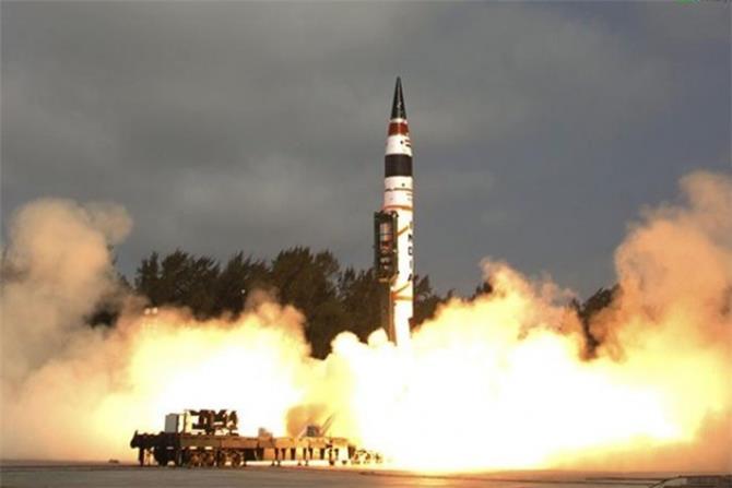 الهند تختبر صاروخ جديد قادر على حمل رؤوس نووية