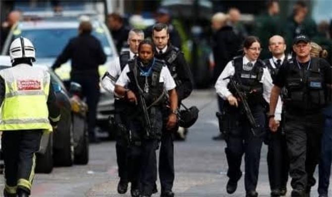 الشرطة البريطانية تكشف هوية المشتبه به فى حادث طعن جسر لندن