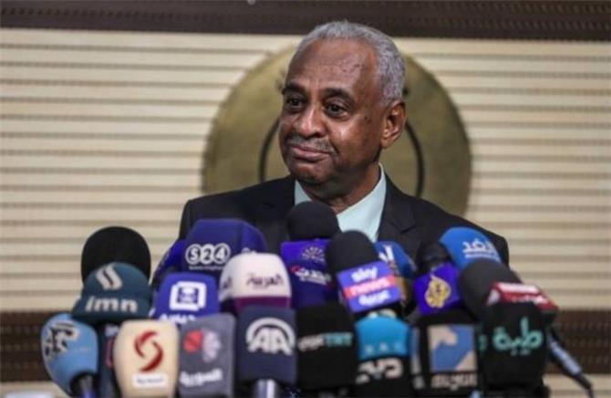 وزير الإعلام السوداني: رئيس إريتريا أكد دعم بلاده لتحقيق السلام