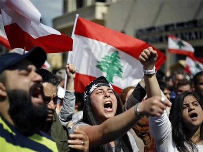 الاحتجاجات في لبنان تستعيد زخمها