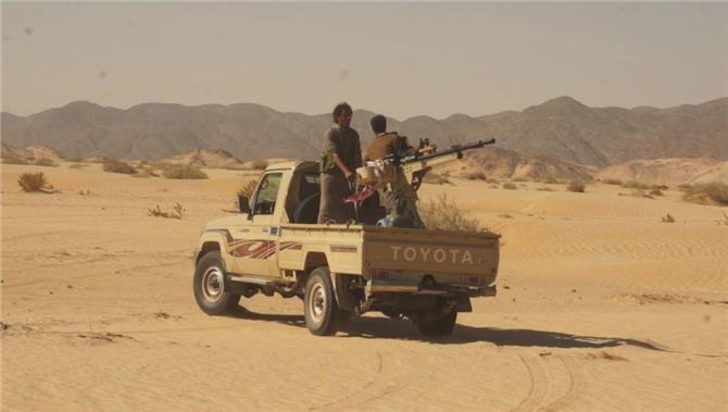 مستجدات صادمة من نهم.. قوات الإصلاح تنسحب إلى الجوف ومئات الجنود يتهمون القيادة بالخيانة