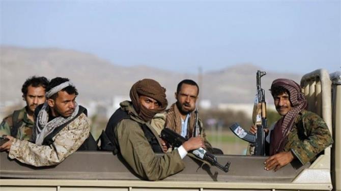 مليشيا الحوثي تطلب 10 مجندين من كل مشرف
