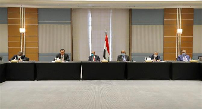 مصادر تكشف عن حقيقة التوافق على رئيس جديد للحكومة وكواليس مايدور في الرياض