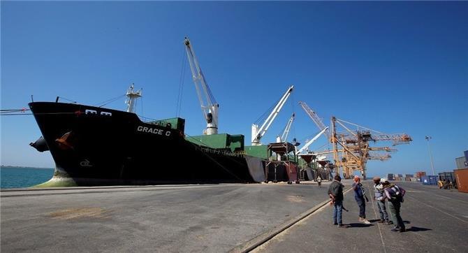 الحكومة اليمنية تتهم إيران باستخدام سفن الصيد كغطاء لتهريب الأسلحة