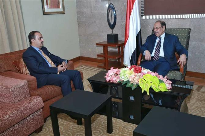 وزير الاعلام اليمني… فاسد بدرجة امتياز وواحد من اسباب هزيمة الشرعية
