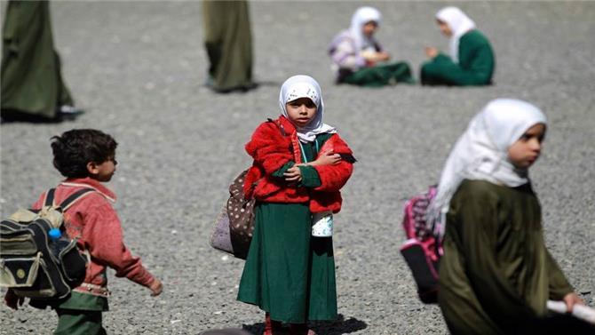 وزير يمني يحذر من تحويل المدارس إلى أوكار لتجنيد الأطفال