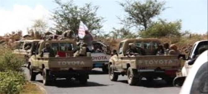 الحوثيون يدفعون بتعزيزات وعتاد عسكري نوعي نحو الساحل الغربي