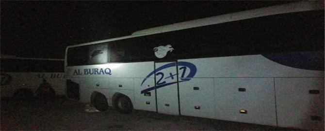 حافلة نقل جماعي تتعرض لاطلاق نار من قبل مسلحين في عدن