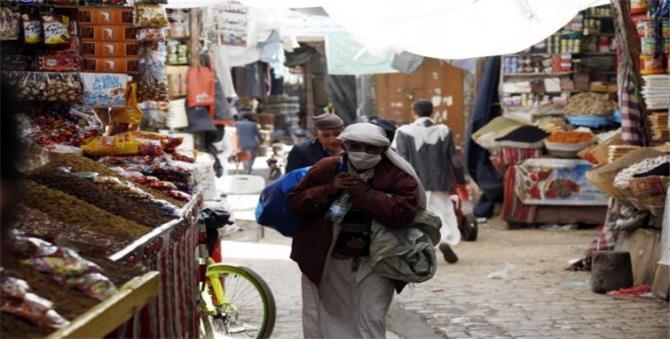 شلل الاستيراد.. آخر أزمات قطاع النقل في اليمن