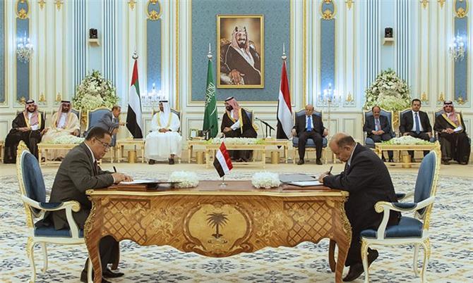 سياسي: اتفاق الرياض يعاني من جمود حقيقي في حلحلته وتنفيذ بنوده