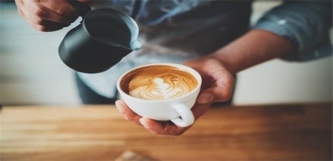 دراسة: الإكثار من شرب القهوة يحمي من سرطان البروستات