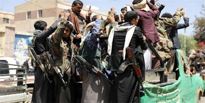«الحوثي جماعة إرهابية».. آخر طعنات «ترامب» لإيران