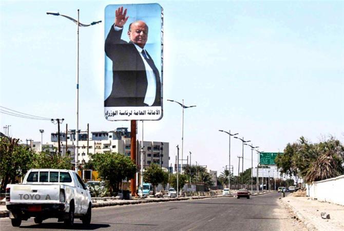 خلل في آليات اتخاذ القرار اليمني يهدّد التوافقات الهشّة