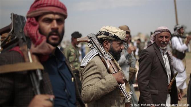 مراجعة تصنيف الحوثيين رسالة أميركية سلبية تربك الملف اليمني