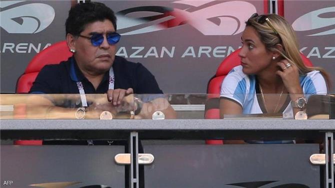 نزاع مخجل بين صديقتي مارادونا  روسيو أوليفا