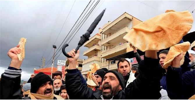 لبنان يواجه الأزمة الاقتصادية بزيادة سعر الخبز