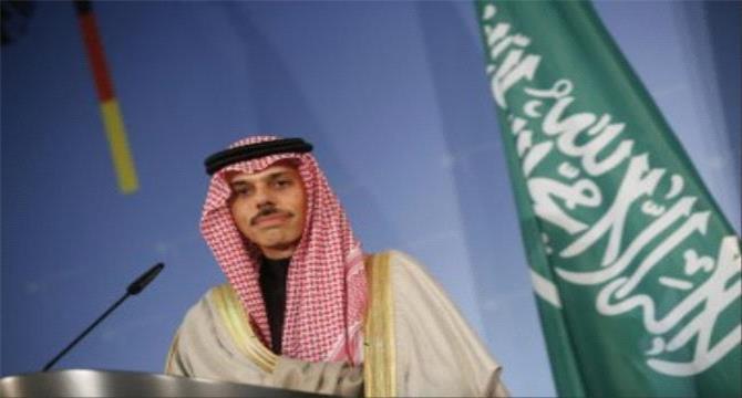 السعودية تدعو الحوثيين مجددا للقبول بالحوار