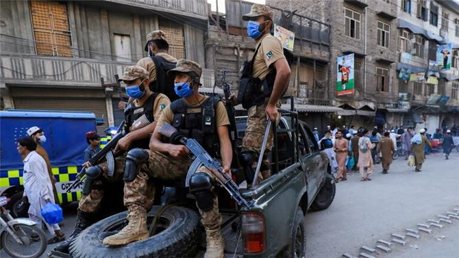 باكستان.. مقتل 11 عنصرا من