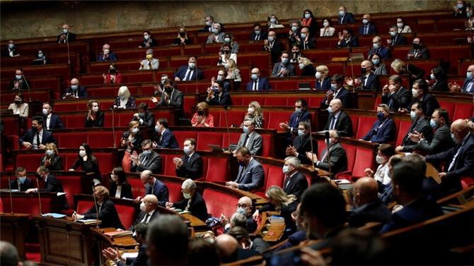 نائب فرنسي: تطبيق العقوبات على شخصيات لبنانية خلال أيام